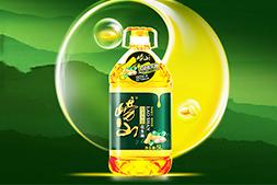 【崂山植物油】祝大家猪年快乐!愿您时时刻刻都幸福,平平安安交鸿运!